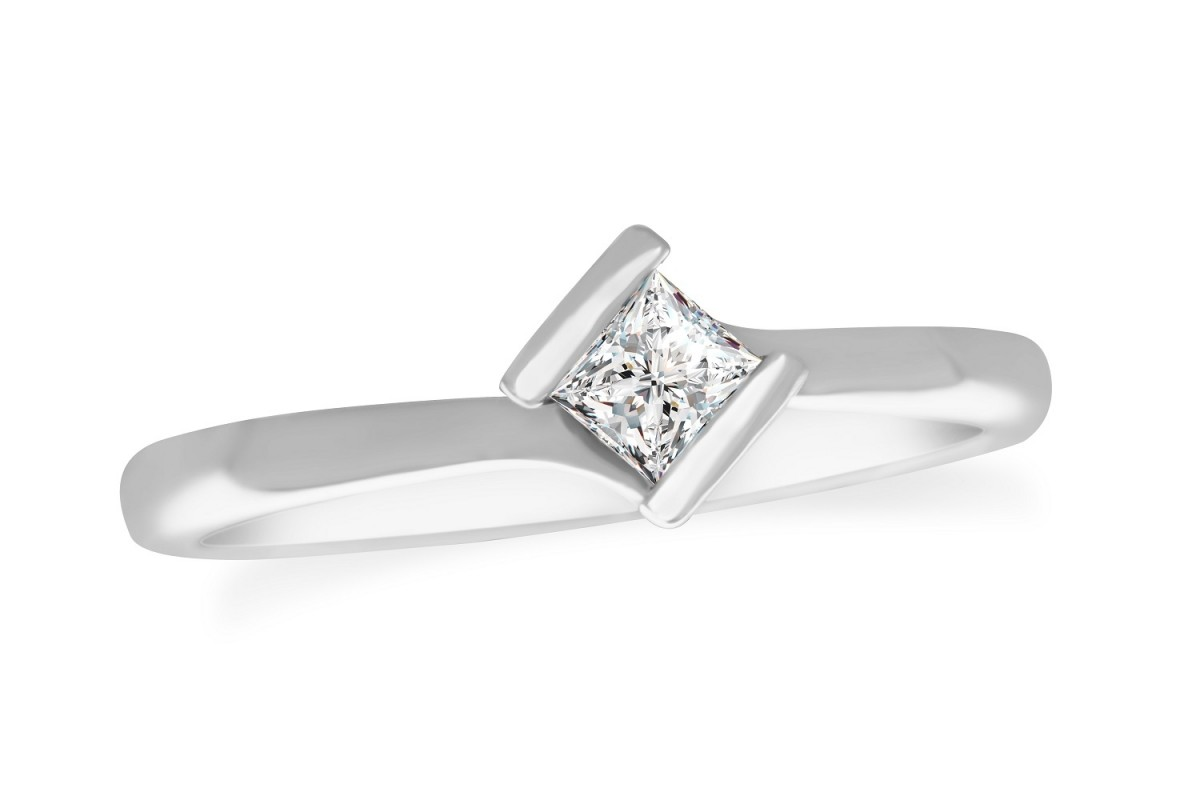 18ct  White Gold Princess Cut 0.29ct solitaire engagement Diamond Ring